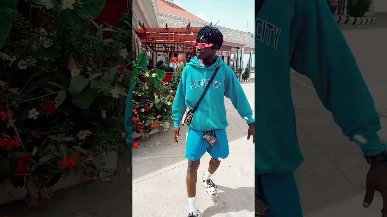 Download LARRUSO POISONOUS OFFICIAL VIDEO