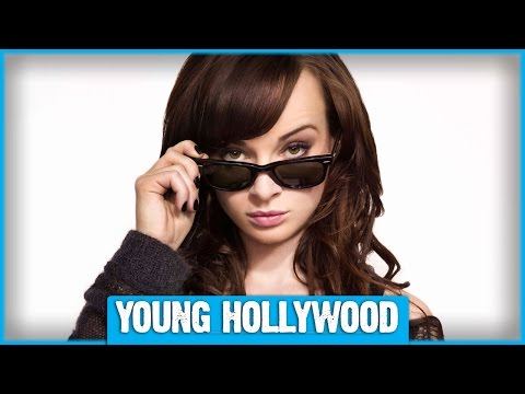 Ashley Rickards's Tips for a Perfect CatEye!