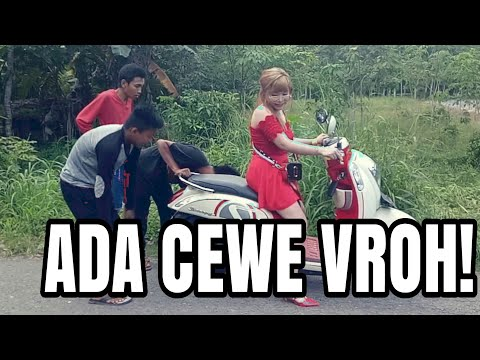 MERAH MERONA DIJALANAN - Video Lucu Indonesia - Satu Menit