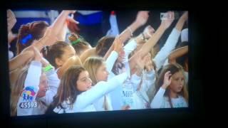 """tini stoessel en lo stadio di roma canta """"NEL MIO MONDO"""" y """"IMAGINE"""""""