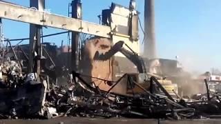 Спасатели произвели обрушение последней стены ТЦ