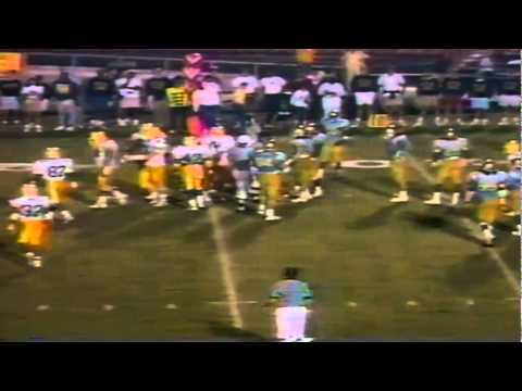 Oregon QB Bill Musgrave scrambles for a first down vs. UCLA 11-11-1989