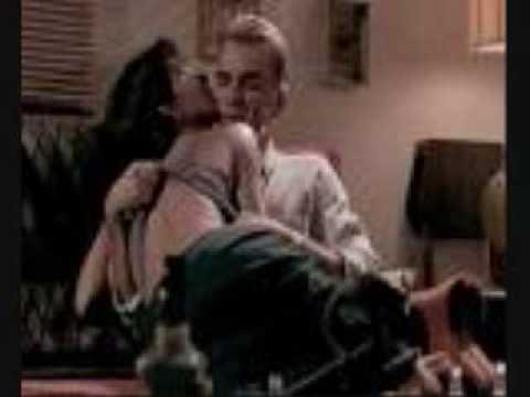 Не вырезанная секс-сцена Холли Берри из фильма Бал