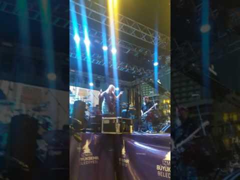 Polu Polu at İzmir Gençlik Festivali Gündoğdu Meydanı Give Me Hope Joanna