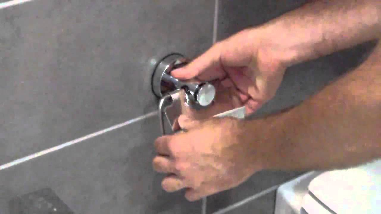 ACCESSORI BAGNO CON SISTEMA A VENTOSA - YouTube