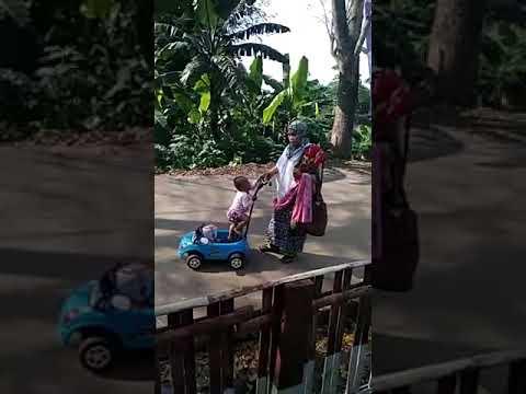 Ada Apa Dengan Perempuan Ini,Simak Videonya