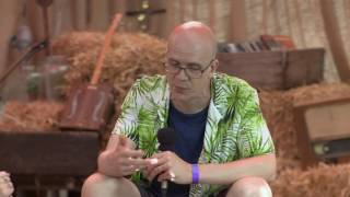 Devin Townsend Interview At Ramblin' Man Fair 2016 (uDiscoverMusic.com Interview) thumbnail