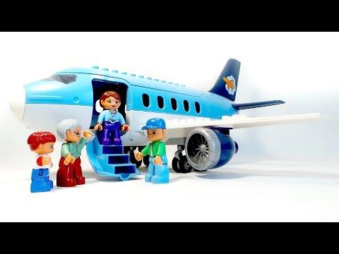 Самолёт в городе Лего. Посадка пассажиров. Аэропорт Lego Duplo