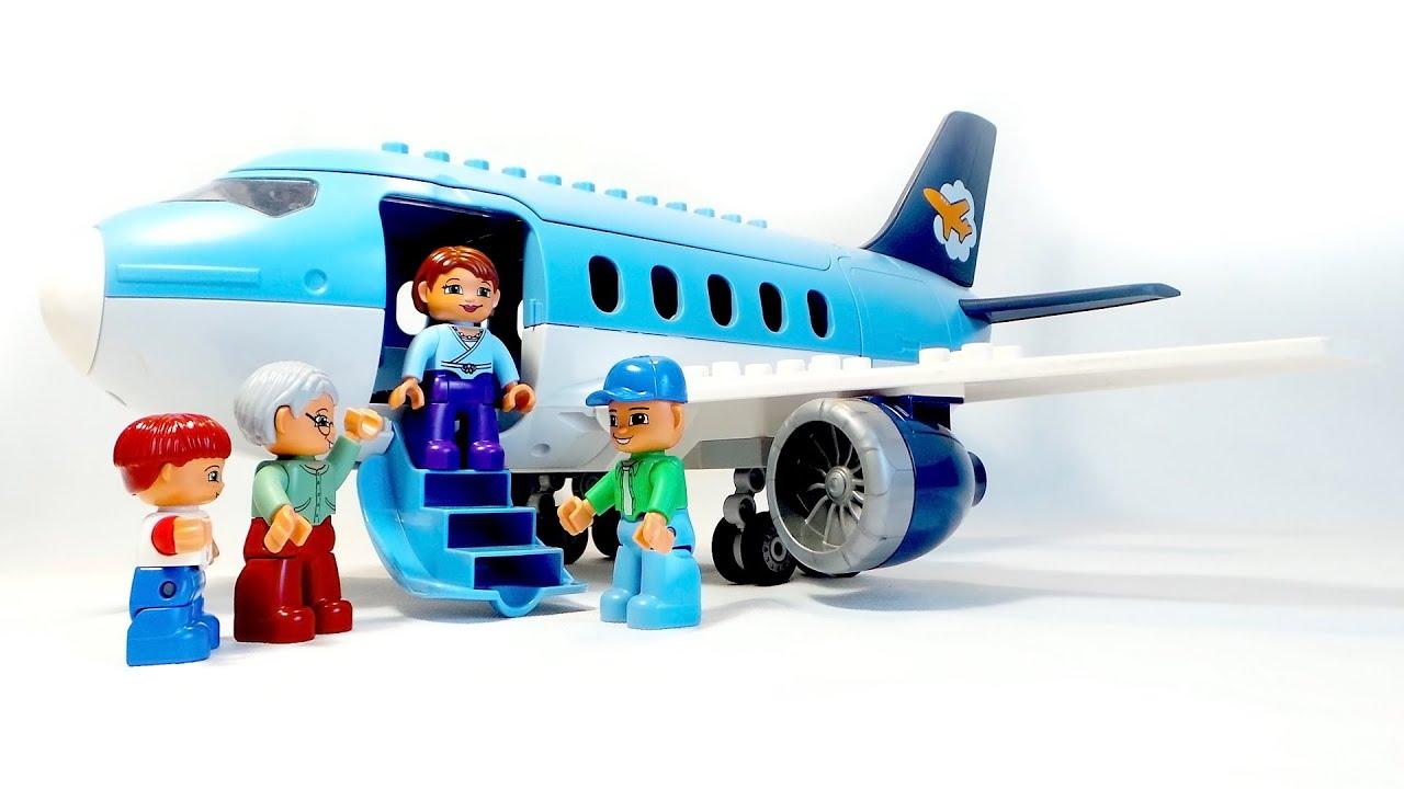 Самолет с пассажирами игрушка