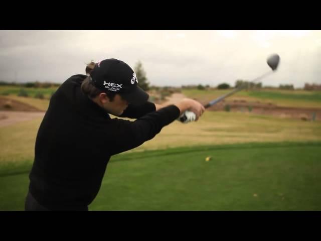 Changez votre swing et vos trajectoires avec ce swing d'essai!