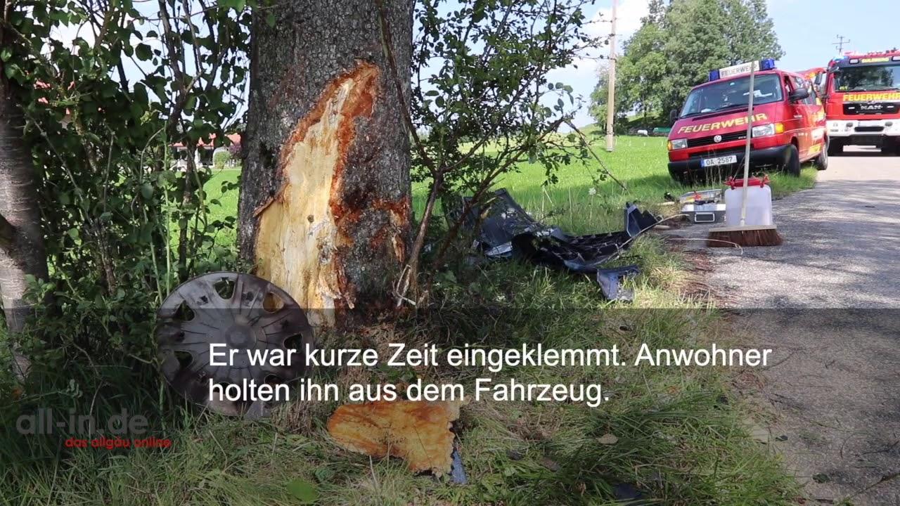 Auto prallt bei Sulzberg gegen Baum: Autofahrer schwer verletzt