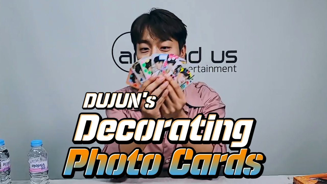(ENG sub) [VLIVE] HIGHLIGHT - DUJOON decorating his photo cards for fans