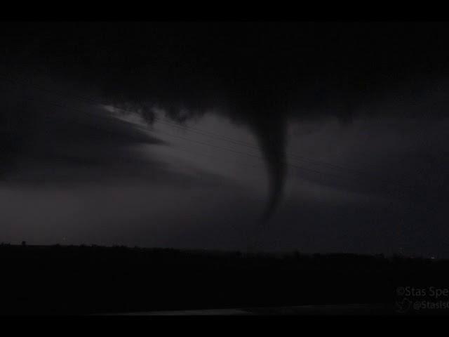 inside a tornado - 640×480
