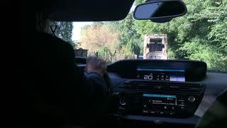 Les camions bennes de Veolia sont-ils dégradés par les arbres dans la rue de l'Antenne?