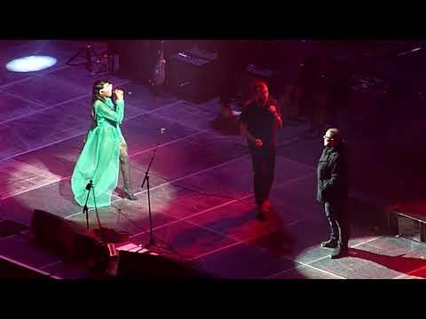 Gorillaz feat. Shaun Ryder - DARE - O2 Arena, London - December 2017