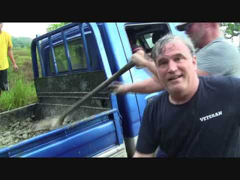 FOREIGNER SUBSCRIBER VISITOR WORKING THE ROAD  FOR OUR BIG BLUE TRUCK EXPAT PHILIPPINES