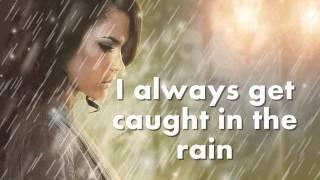 I ALWAYS GET CAUGHT IN THE RAIN - Dionne Warwick (Lyrics)