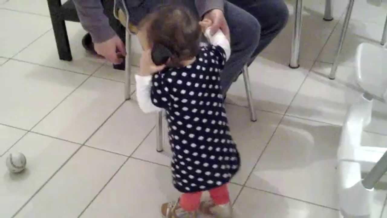 Bebe Hablando Por Telefono: Bebe Hablando Por Telefono / Baby Talking By Phone