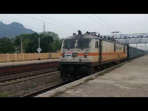 22628 | Tirunelveli - Tiruchirappali SF Intercity Express | Fastest Crossing Near Dindigul.