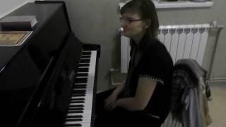 Елена Коновалова играет на пианино Бетховен - К Элизе 1 часть