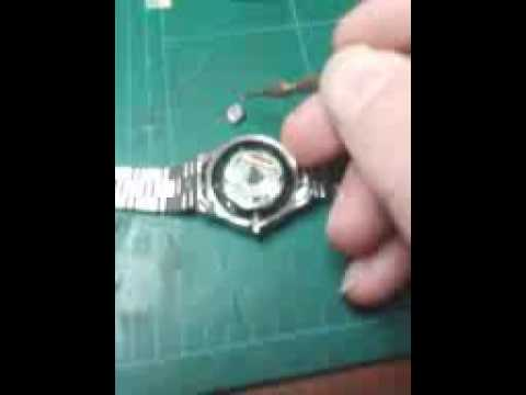Seiko Solar V137a Movement Capacitor Install Youtube