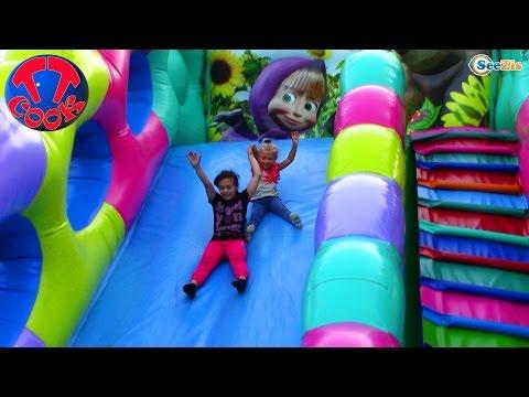 ВЛОГ Парк Аттракционов с Хелло Китти и Ярославой Прыгаем на Батуте Ловим Рыбок Hello Kitty Toys