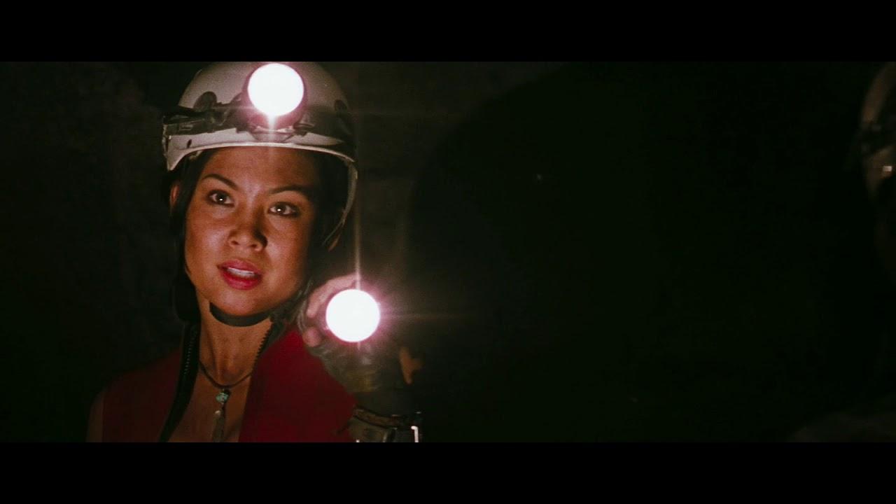 Movie Trailer Voice Over: The Descent (2005)