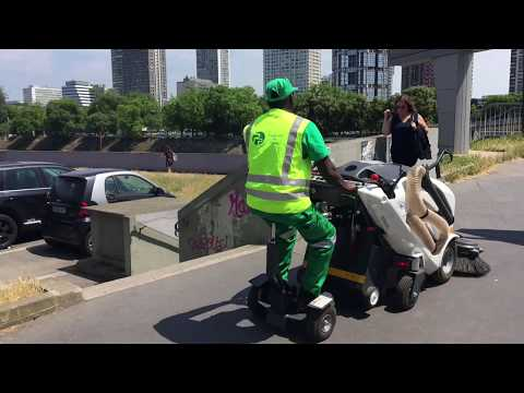 TSM - Itala 135 BT electric sweeper in Paris