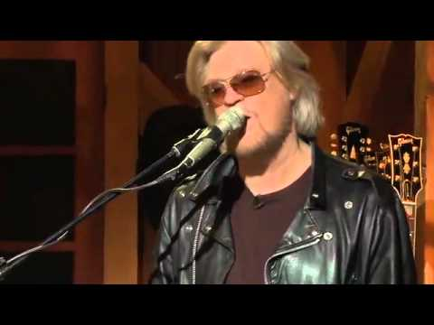 Private Eyes - Mayer Hawthorne, Daryl Hall, Booker T, Live From Daryl's House