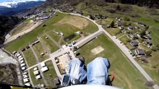Turbulente Gleitschirm-Landung