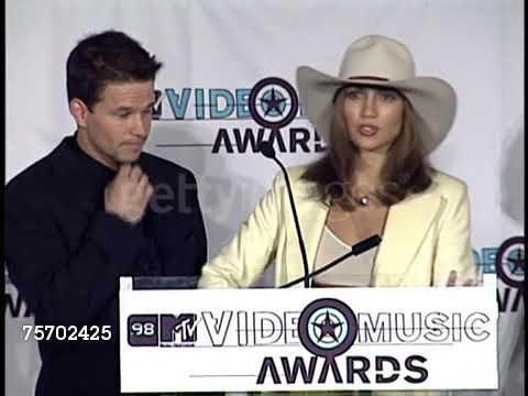 1998 VMA's Press Mark Walburg & Jennifer Lopez