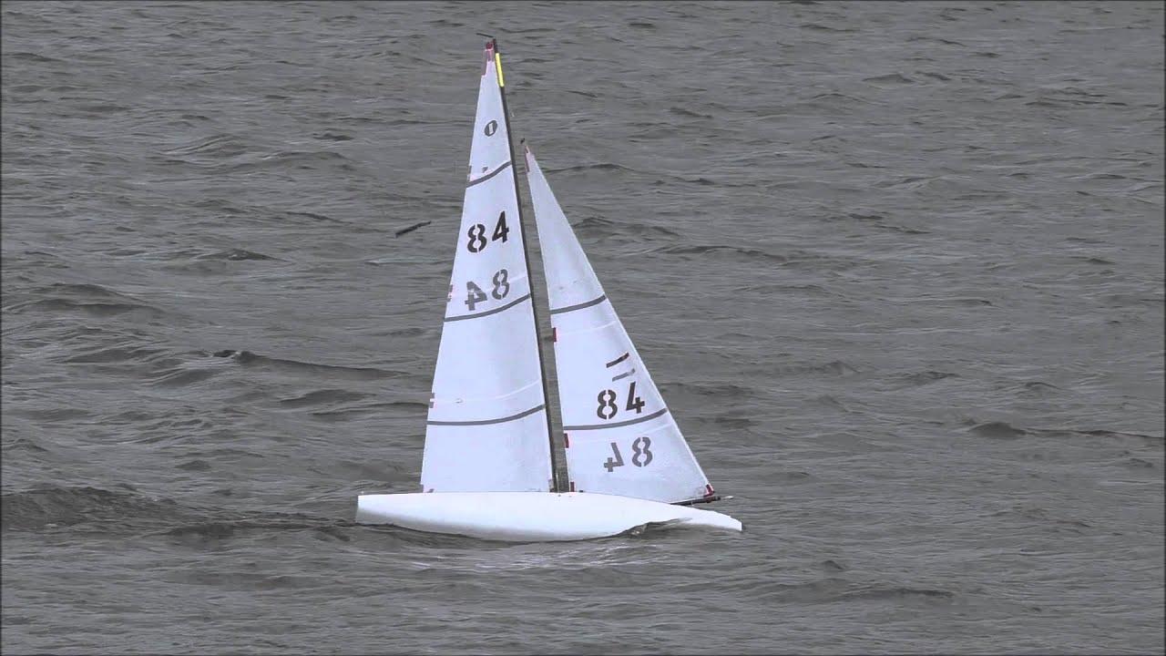 D4 wave piercing iom yacht