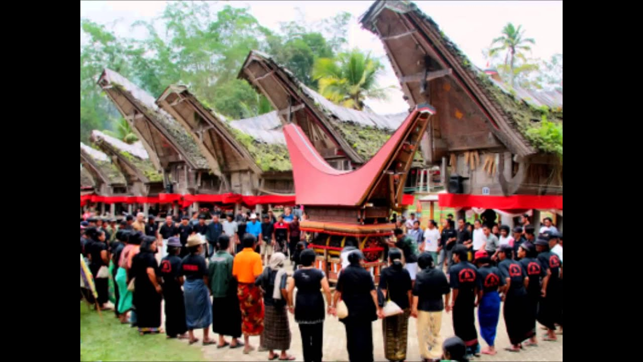 Image result for Pemakaman Tana Toraja