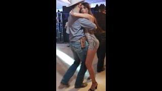 Bailando cumbia con  Los Norteños de Ojinaga Rancho de Colorado 4