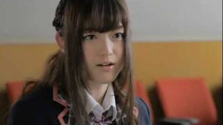 "http://www.nogizaka46.com/ デビューシングル「ぐるぐるカーテン」を2/22にリリースする""AKB48の公式ライバル""乃木坂46。 デビューシングルには前代未聞..."