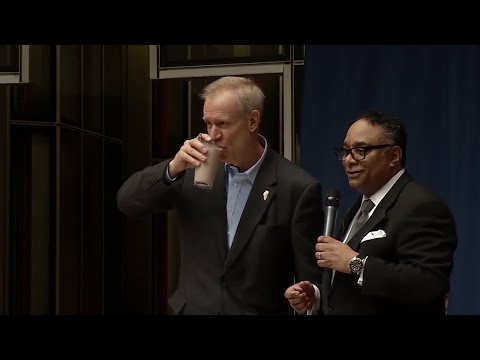 Illinois Governor Bruce Rauner drinks chocolate milk to show diversity is 'really good'