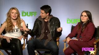 EXCLUSIVE! The DUFF's Bella Thorne & Mae Whitman Rate Robbie Amell As A Co-Star AND Makeout Partner!