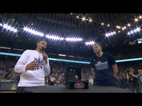 Stephen Curry presents David Lee with Championship Ring