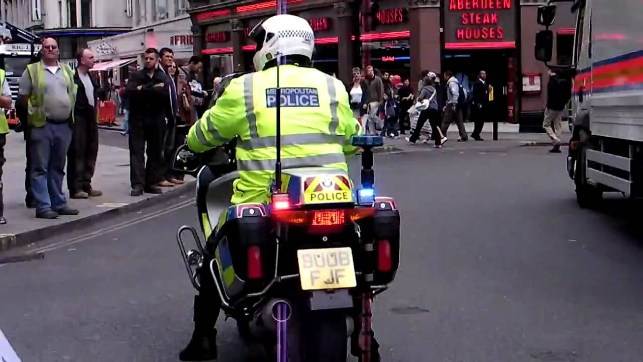 Police Led Lights >> London Police Motorcycle Rear LED lights - YouTube
