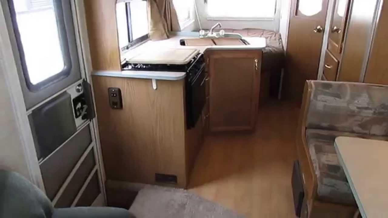 1998 Fleetwood Tracker Trail Star 24 Ft Class C Low