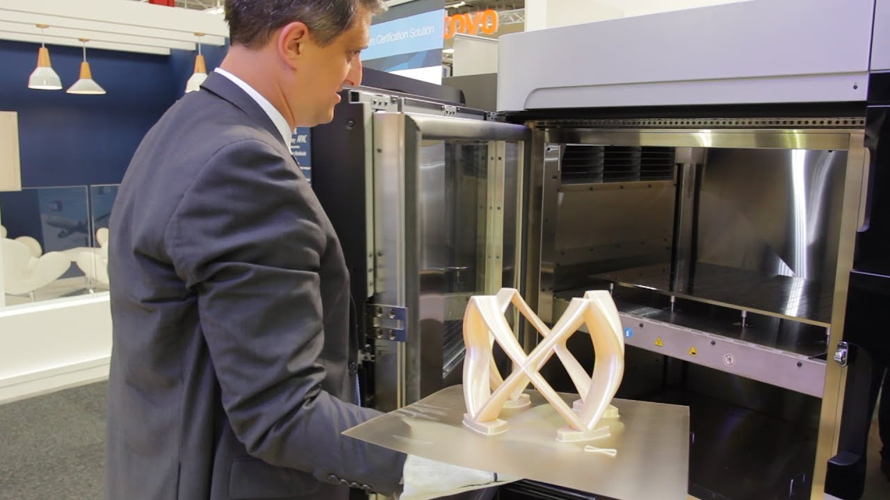 Plane makers turn focus to 3D printing | CNBC International