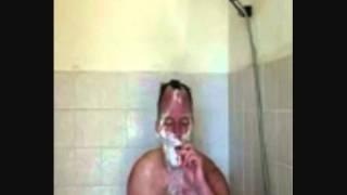 Besoffen Kiffen in der Dusche  - Lustig