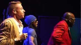"Gambar cover Macklemore - ""Thrift Shop"" (Live at Perez Hilton's SXSW 2013 Party)"""