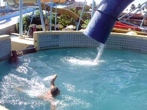Piscina 3 50 m veneza water park youtube for Piscina 50 m