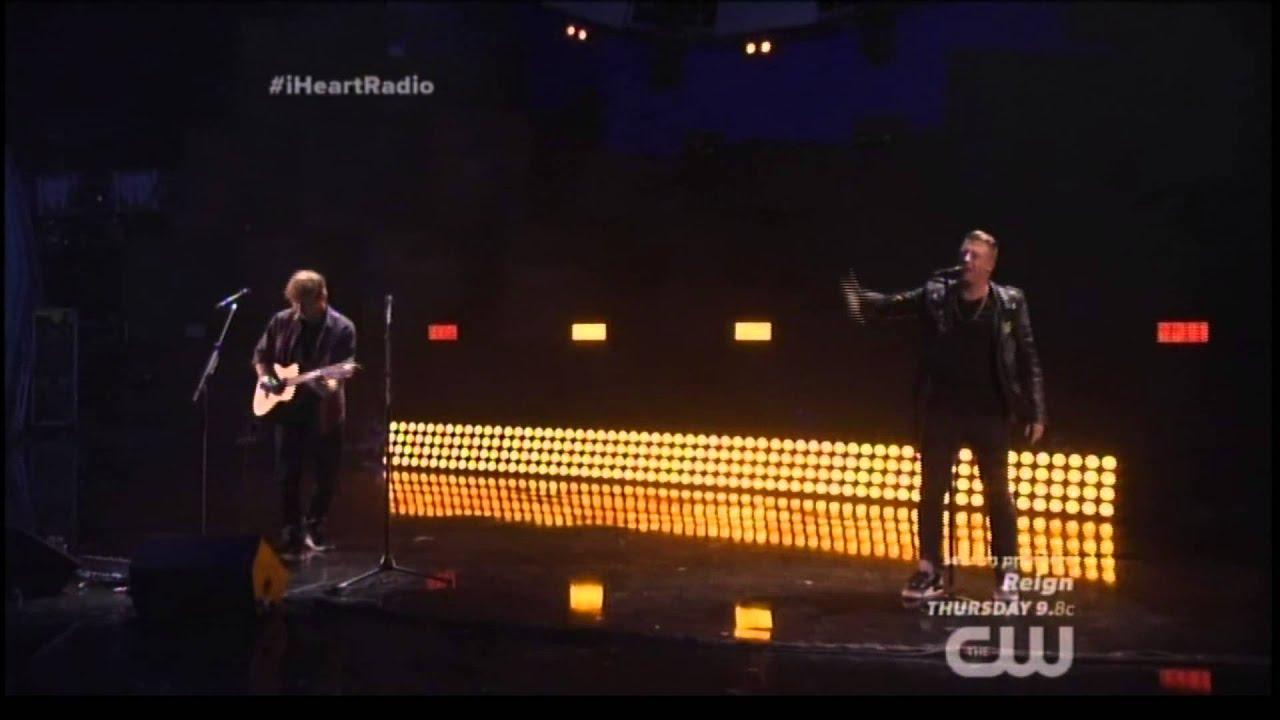 Ed Sheeran and Macklemore Perform Same Love' in Vegas
