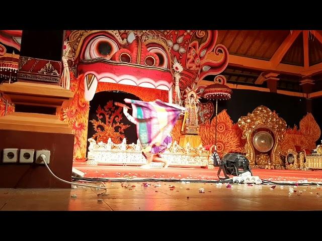 Kebyar Terompong (Oka Dalem)  Kebyar Duduk (Ade Kamandanu) Genta Bhuana Sari Ngayah di Pr Singapadu
