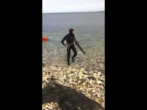 diveing  isle of man Preparing to get on the water