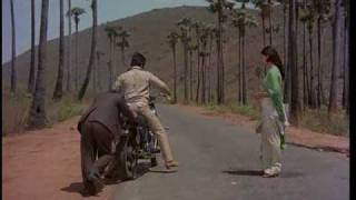 Ek Duje Ke Liye Romantic Scene - Kamal Hasan