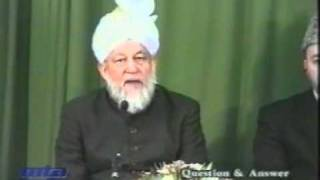 Ahmadi Pakistan Say Europe Kion Aye?