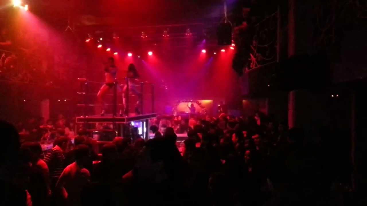 фото селфи в клубе